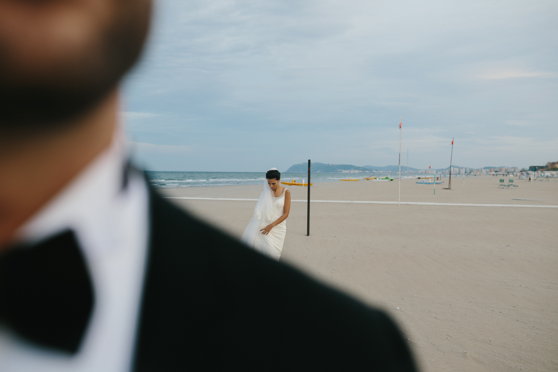 foto matrimonio rimini in spiaggia